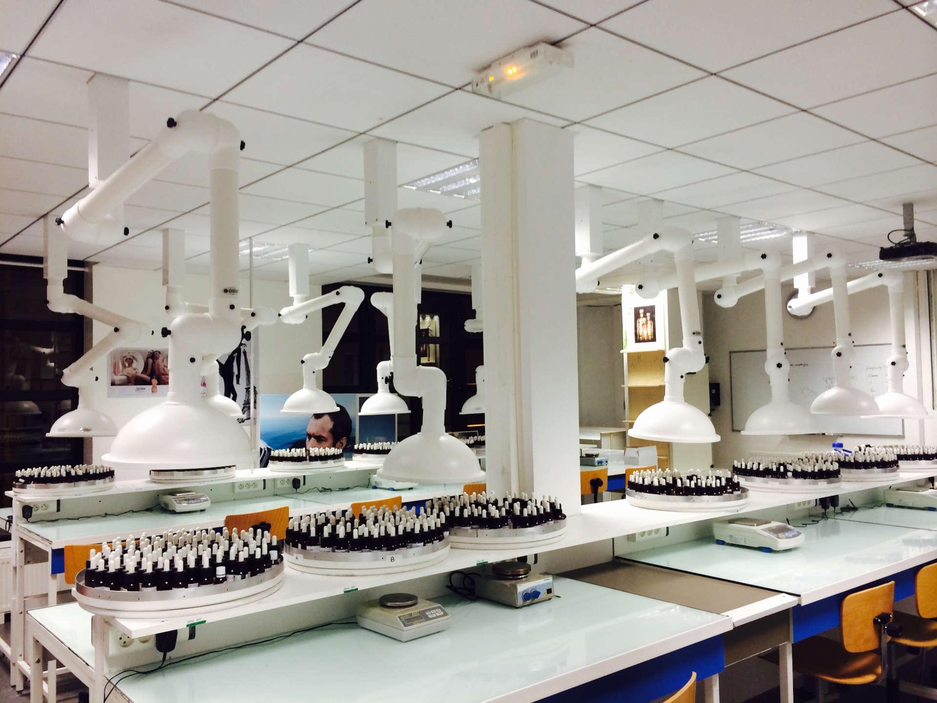 Comment éviter le risque chimique dans les laboratoires
