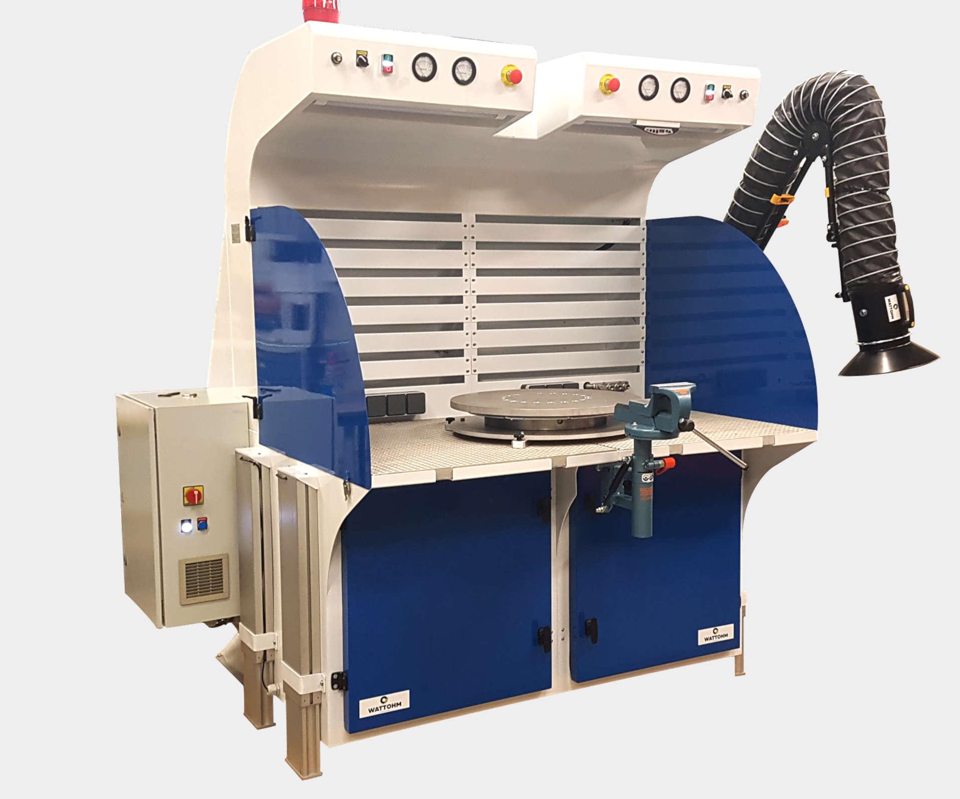 Conception de tables aspirantes avec bras articulé et dispositifs d'aspiration sur mesure avec dépoussiéreurs à décolmatage par air comprimé